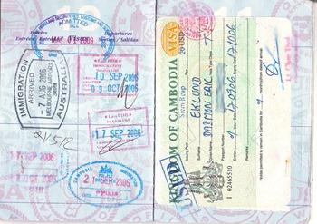 Passport Pages by daimoneklund used under CC